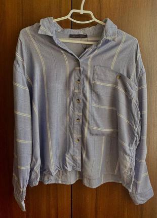 Голубая свободная рубашка