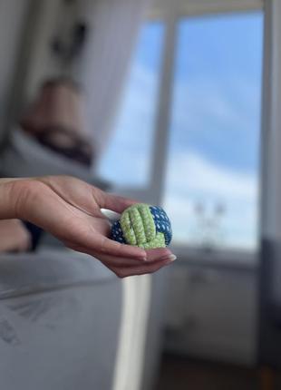 Плетена іграшка м`ячик для собак