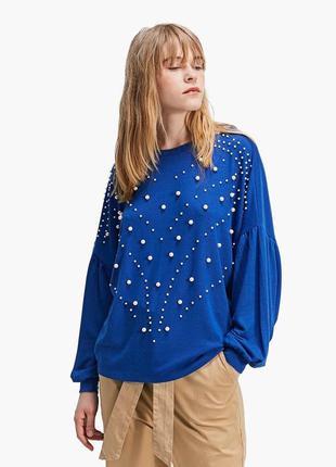 Очень красивый свитер с жемчугом