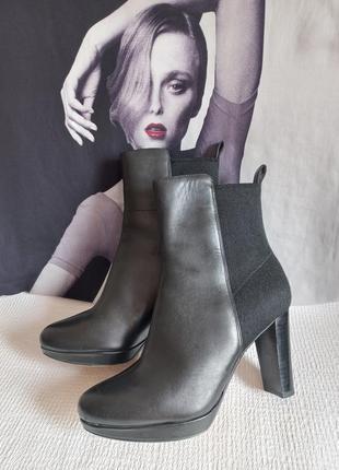 Clarks кожаные оригинальные ботинки 37,5