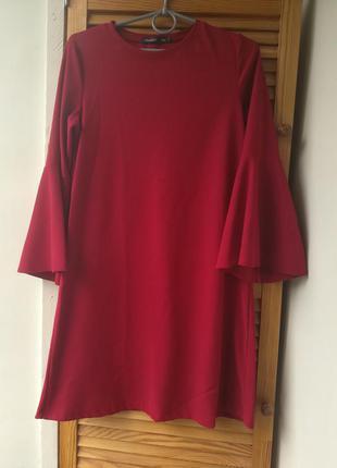 Платье с рукавами клеш в мелкий рубчик