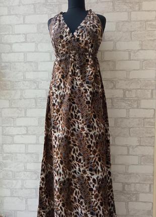 Пляжное макси платье с открытой спиной