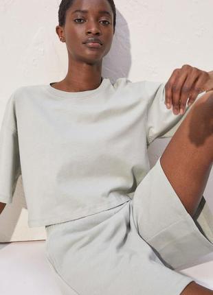 Укороченная футболка женская трендовая h&m, жіноча укорочена футболка.