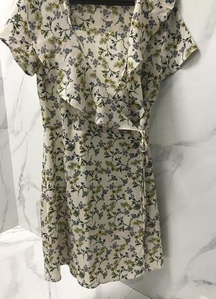 Плаття на запах; сукня на запах