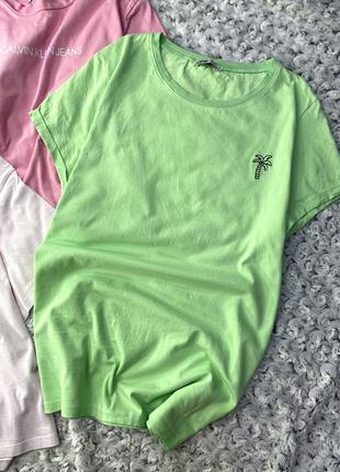 Яркая футболка с вышитой пальмочкой fb sister