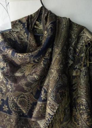 Красивый шарф, палантин