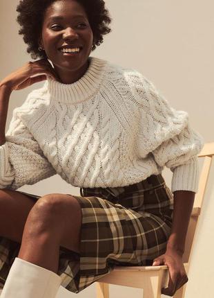 Новый стильный свитер с косичками h&m