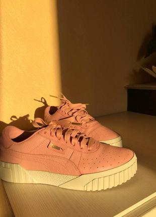 Стильні кросівки puma
