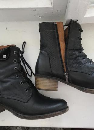Кожаные брендовые сапожки