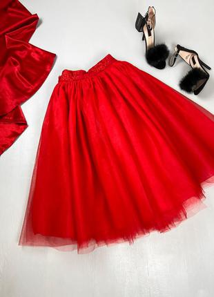 Красная пышная фатиновая юбка
