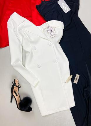 Белое платье - пиджак ассиметричного фасона