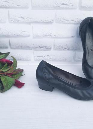 - кожаные туфли tamaris р 37- 37,5