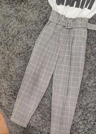 Свободного кроя брюки с высокой талией с поясом