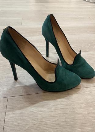 Зелёные замшевые туфли guess