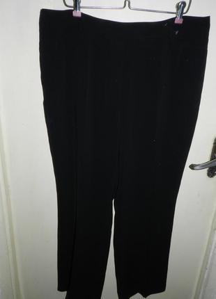 Брюки чёрные с карманами,высокая посадка,большого размера,сост.новых,gerry weber