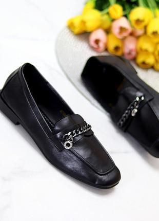 Удобные классические повседневные черные женские мокасины с декором