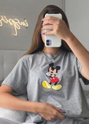 Трендовая базовая оверсайз футболка серая с принтом микки макс дисней disney