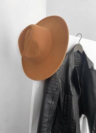 Шляпа с большими прямыми  полями из фетра фетровая модная крутая стильная коричневая коричнева