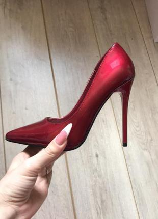 Вишневые,красные туфли женские