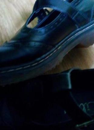 Продам фирменные оригинальные туфли фирмы clarcs 36 р