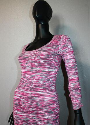 Стильное стрейчевое мягкое утягивающее миди платье резинка в обтяжку guess м вискоза