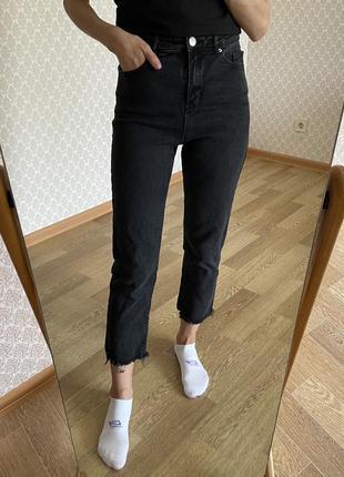 Идеальные прямые джинсы на завышенной посадке о