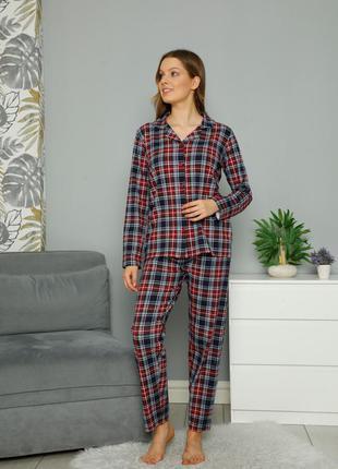 Жіноча піжама зі штанами на ґудзиках - червона клітина