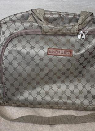 Дорожная сумка . большая вместительная сумка
