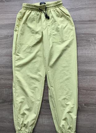 Спортивні штани, брюки bershka