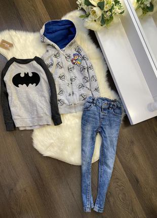 Комплект костюм на мальчика на 4-5 год
