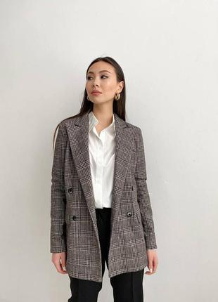 Женский стильный пиджак клетка серый коричневый свободного кроя