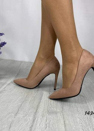 Туфли лодочки на каблуке шпильке