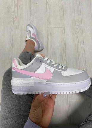 Женские серые с розовым кроссовки nike air force pink grey