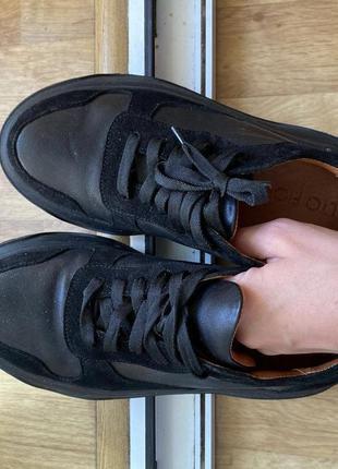 Кроссовки на грубой подошве