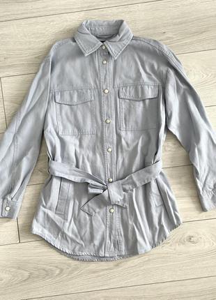 Трендова куртка пальто рубашка от zara осень 2021 голубая куртка легкая.