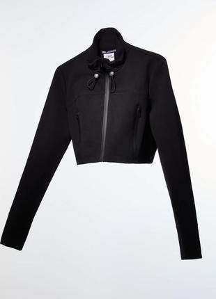 Куртка укороченная женская чорная zara укорочена водонепроникна куртка з технічної тканини.