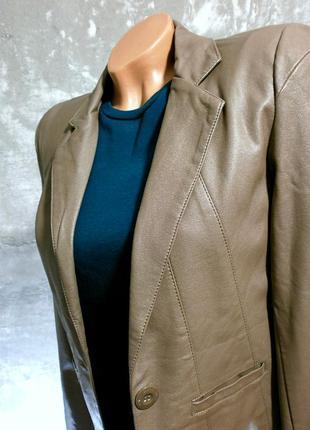 Шикарный жакет-курточка под кожу цвета кофе с молоком - amisu