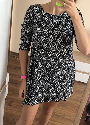 Платье трапеция в геометрический принт с кармашками h&m