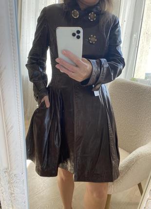 Шикарный новый кожаный плащ как платье
