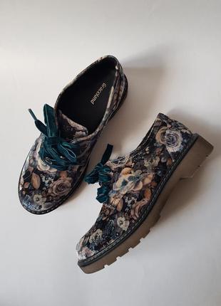Новые стильные оксфорды graceland,классные бархатные ботинки на шнуровке