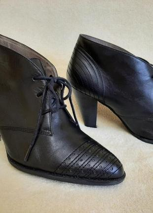 Натуральные кожаные туфли , ботильоны фирмы roberto santi p.39 стелька 25,5 см