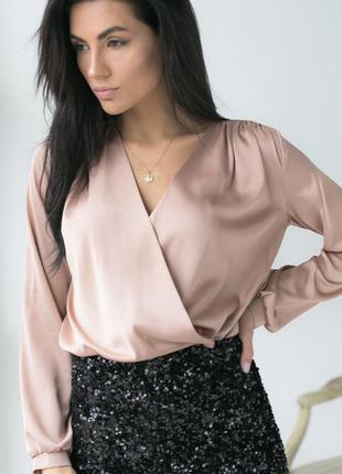 Жіноча атласна блуза на запах