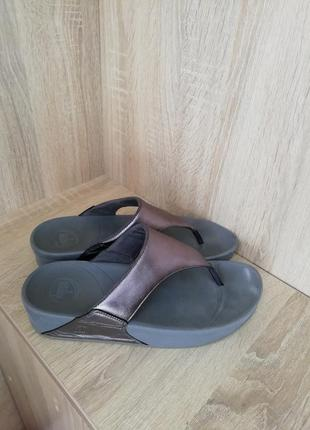 Шлепанцы, вьетнамки кожаные fitflop 41размер