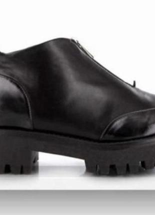 Ботинки emporio armani p 35 ст 22.75 см оригинал состояние новых