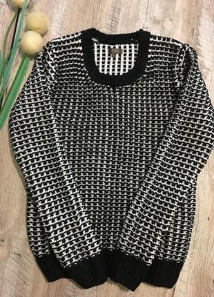 Брендовый вязаный джемпер свитер