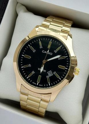 Мужские наручные часы на металлическом браслете золотого цвета с черным циферблатом