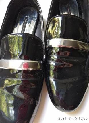 Zara женские туфли лаковые на низком ходу стелька 25 см