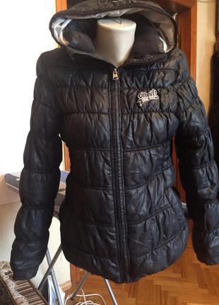 Стеганная,болоньевая куртка с капюшоном,от бренда o'neill
