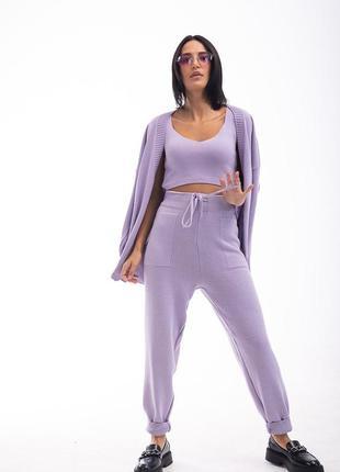 Женский вязаный костюм-тройка фиолетового цвета