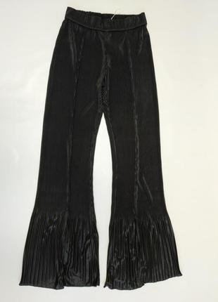 Трендовые брюки  плиссерованые zara спереди разрезы